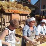 La fabrication de la farine lors du Retour des Alpages